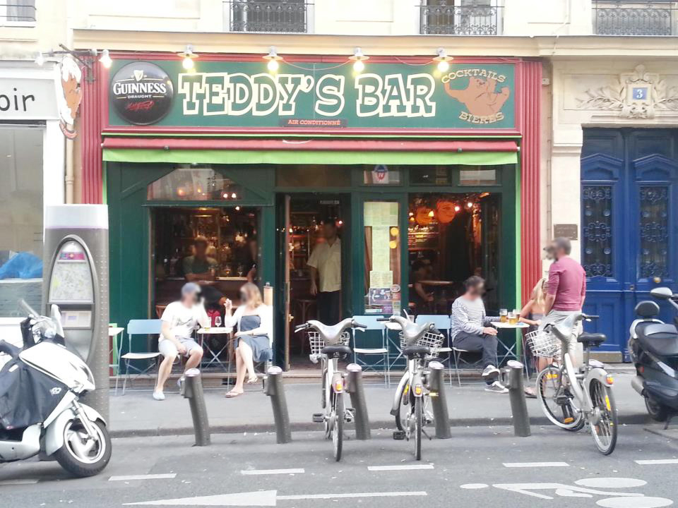 Teddy's bar
